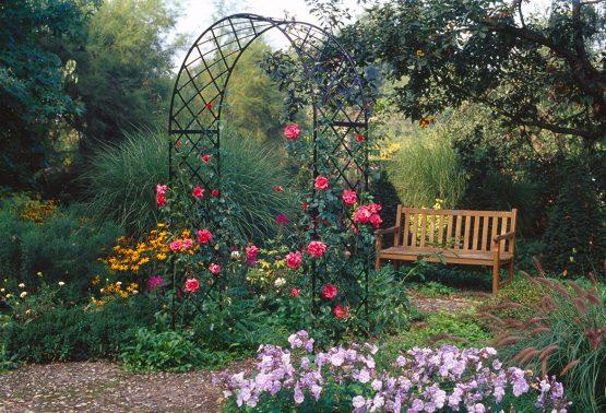 De Orangerie - voor een exclusieve Rozenboog of Obelisk - Bagatelle rozenboog